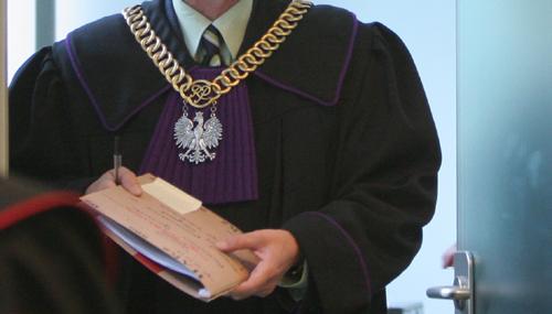 Dodawał, że w skargach do ETPC prokuratorzy nie mogli odnieść się do tego orzeczenia SN, gdyż w momencie wnoszenia skarg nie było ono oficjalnie opublikowane.
