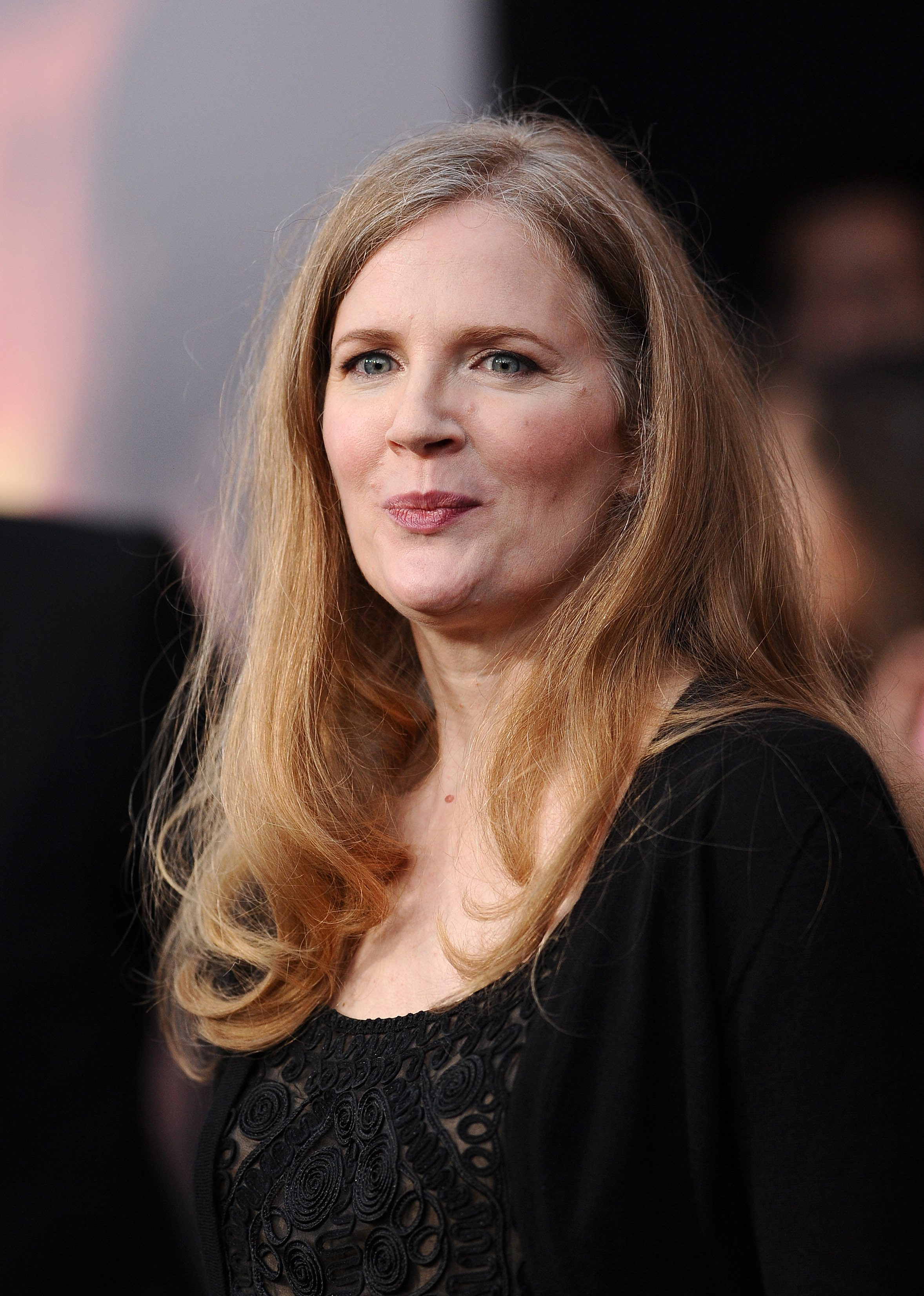 suzanne collins writing style Literary devices used in mockingjay book by suzanne collins.