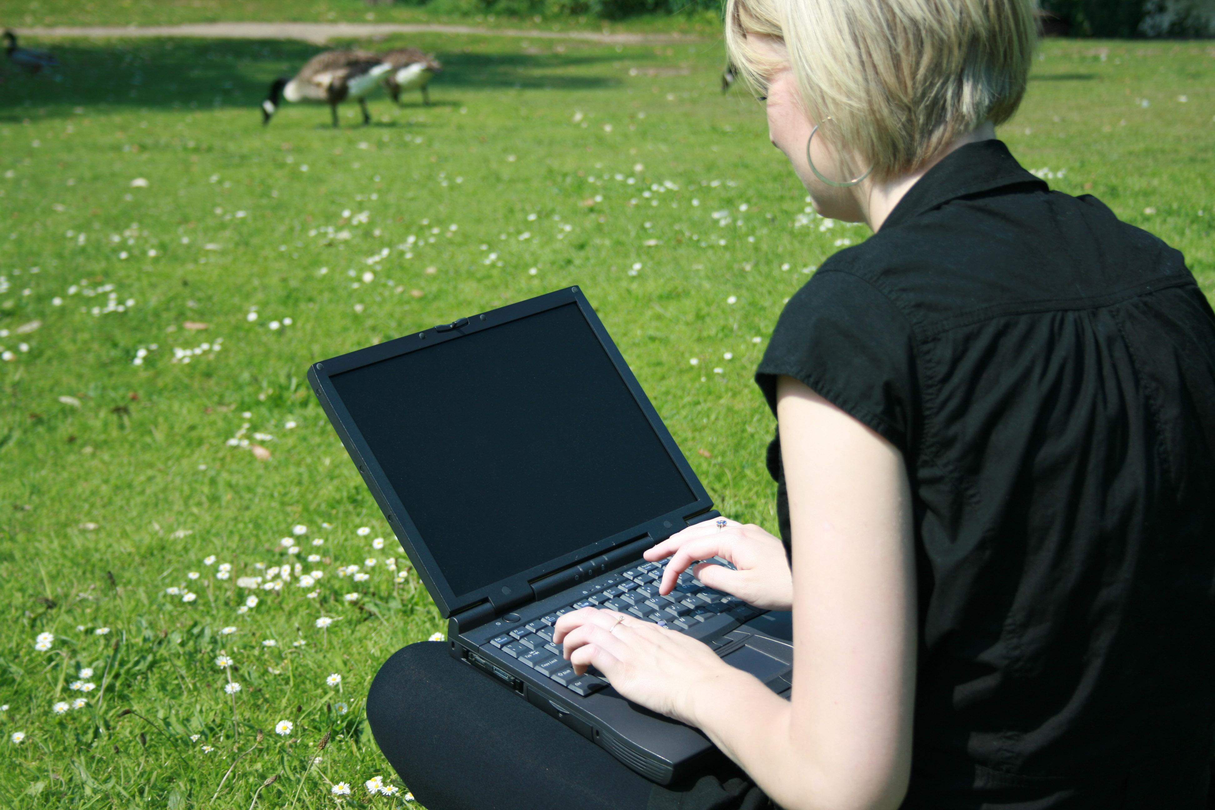 Как фотографировать ноутбуком с реальной фотографии