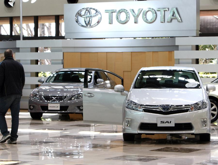 Pozycję wicelidera utrzymała Toyota, która sprzedała 9558 aut - o 10,20 proc. więcej niż przed rokiem.