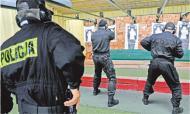 Terapia szokowa wyleczy policjantów - mniejsze pensje <strong>na</strong> chorobowym