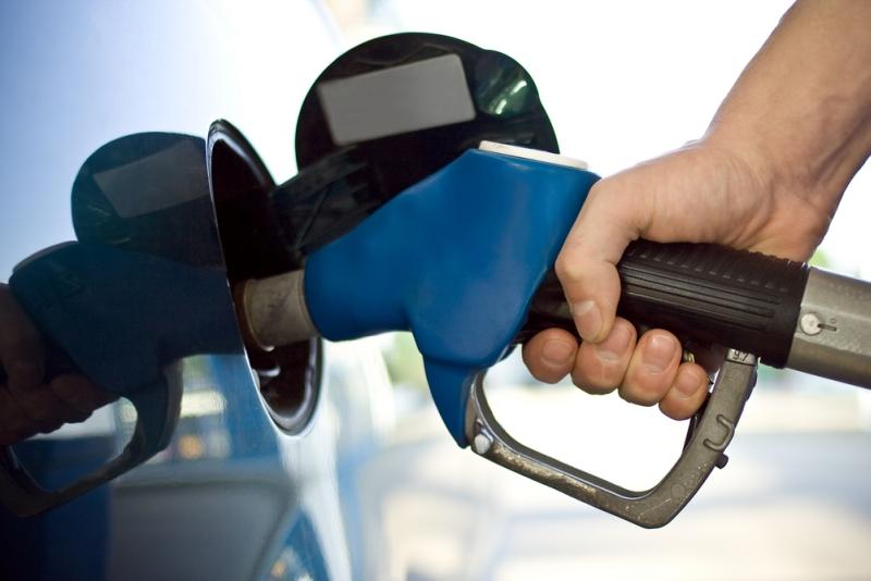 Z powodu różnicy cen paliwa na Białorusi i w krajach UE handel benzyną jest jednym ze źródeł dodatkowych dochodów mieszkańców stref przygranicznych Białorusi.