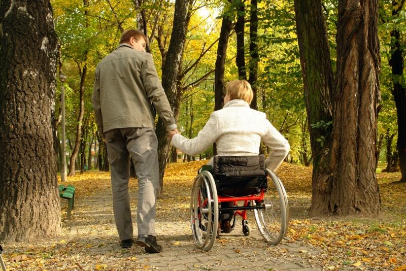 Jakie świadczenia przysługują opiekunom osób niepełnosprawnych?