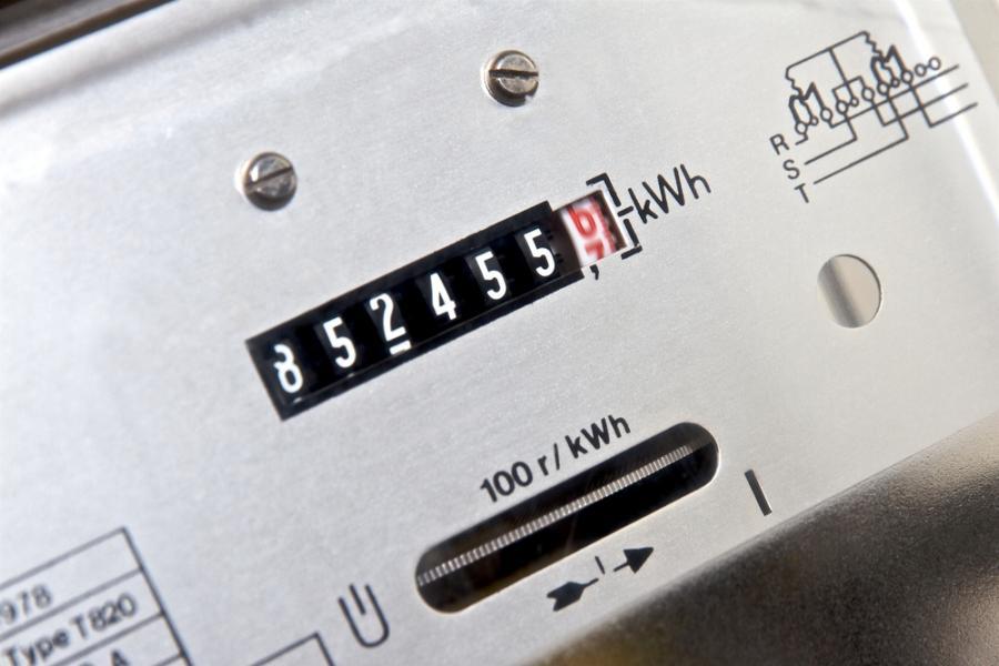 Polacy za oszczędzaniem prądu.