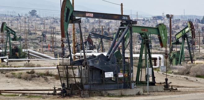 Władze Iranu są zdeterminowane do działań mających na celu zdjęcie sankcji blokujących eksport ropy od nowego roku.