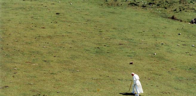 Papież Jan Paweł II w trakcie pielgrzymki do Kanady. 25.06.1989. fot. zuma/newspix.pl