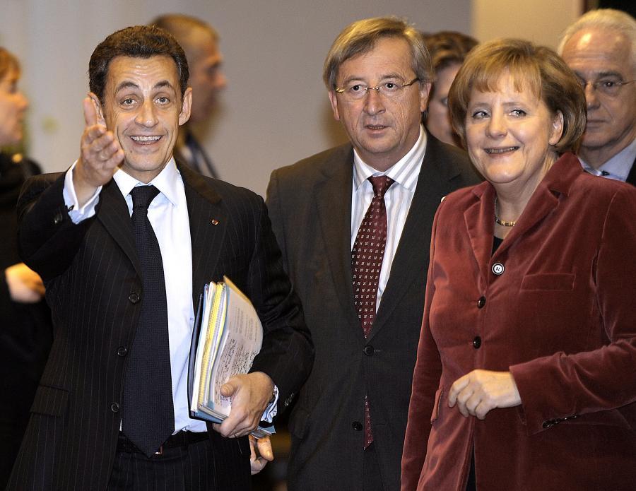 Prezydent Francji Nicolas Sarkozy, premier Luksemburga Jean-Claude Juncker i kanclerz Niemiec Angela Merkel