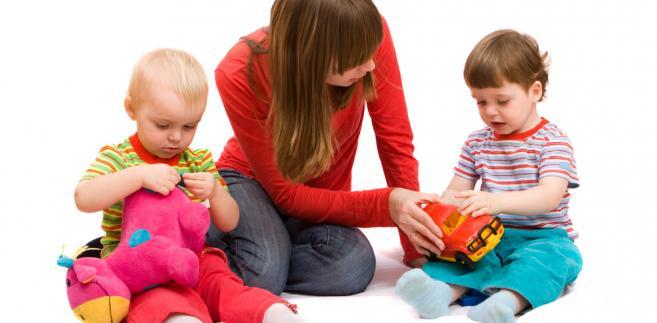Czy rodzicom bliźniąt należy się jeden czy dwa dodatki do zasiłku rodzinnego?