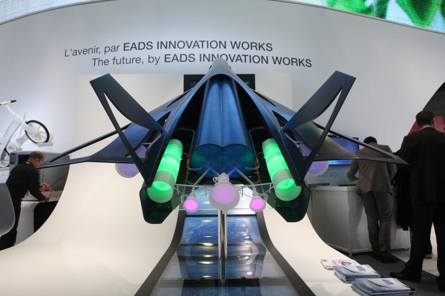 Model naddźwiękowego samolotu ZEHST zaprezentowany w trakcie Paris Air Show w Paryżu, Francja.
