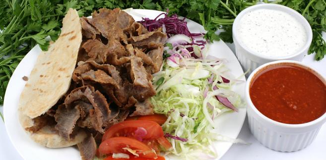 Posiłki i dania przygotowane w restauracji są opodatkowane stawką 5 proc. VAT