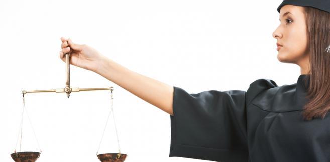 Aktem mającym zerwać umowę z sędziami, jest projekt ustawy z 3 listopada 2011 r. o zmianie niektórych ustaw związanych z realizacją ustawy budżetowej