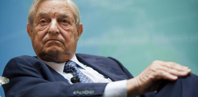"""Soros, którego osobista fortuna pod koniec 2017 r. została oszacowana przez """"Forbesa"""" na ok. 23 mld dolarów USA, urodził się na Węgrzech."""