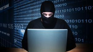 Ataki przeprowadzane z użyciem exploitów należą do najskuteczniejszych, ponieważ zwykle nie wymagają interakcji ze strony użytkownika, a szkodliwy kod może zostać dostarczony na urządzenie bez wzbudzania jego podejrzeń.