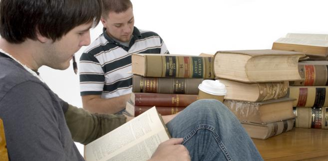 student prawa, prawo, aplikacja, aplikacje (fot. shutterstock.com)