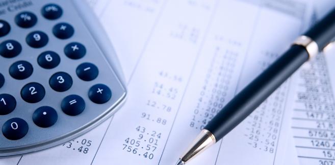 Przepisy przewidują rozwiązanie, w którym to na wniosek pracownika (podatnika) rocznego rozliczenia z fiskusem może dokonać w jego imieniu pracodawca (płatnik podatku)