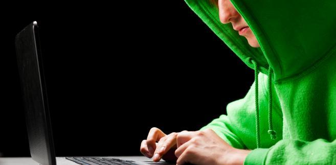 Oczernianie w internecie jest raz częściej spotykane