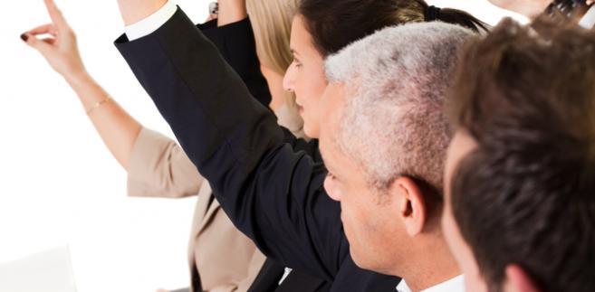 Wielokrotnie członkostwo w spółce, udział w jej organach rozumie się jako realizację praw własnych, z pominięciem interesu spółki