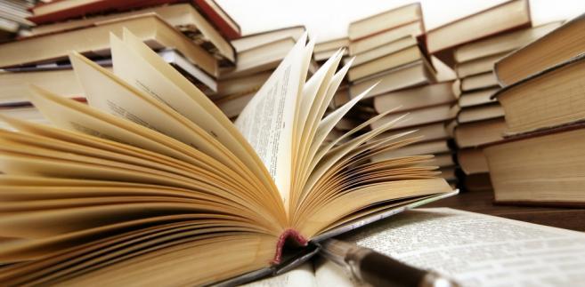 """Prawie 10 tysięcy szkół zgłosiło się do programu """"Książki naszych marzeń"""