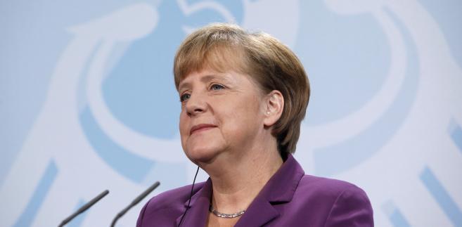 Angela Merkel znowu wygrała - Bundestag przyjął program pomocy dla Grecji.