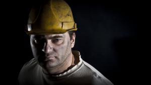 Wstrzymanie przez JSW zapłaty kontrahentom zbiegło się w czasie z wypłatą czternastki dla górników – z reguły następowało to w lutym, ale w myśl porozumienia ze związkami zawodowymi przesunięto ten ok. 120-milionowy wydatek na maj