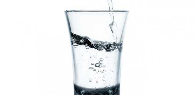 """""""Polska wódka"""" to napój alkoholowy produkowany ze zbóż lub ziemniaków uprawianych na terenie naszego kraju."""