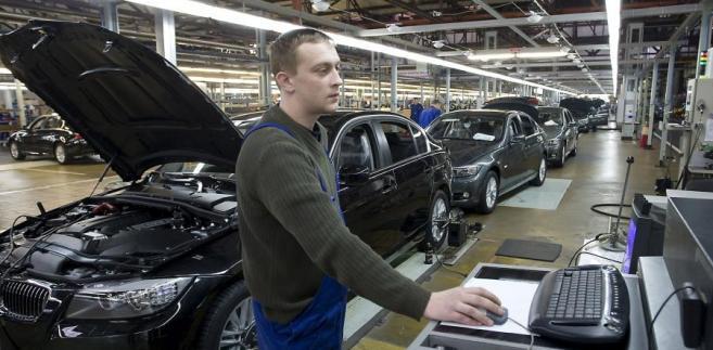 Montaż samochodów BMW 5-series w fabryce Avtotor w Kaliningradzie.