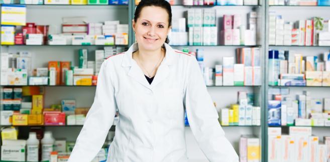 Ministerstwo Zdrowia mówi jasno: nie ma mowy, by zrezygnować z wymogu obecności farmaceuty w otwartej aptece.