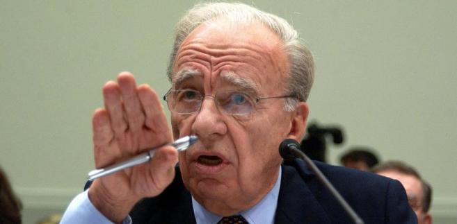 Rupert Murdoch jest zarówno prezesem, jak i dyrektorem zarządzającym koncernu.