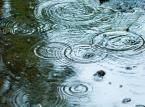 Rząd chce od samorządów opłat za spływającą wodę deszczową. Koszty poniosą właściciele nieruchomości