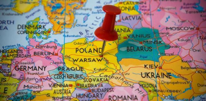 Wśród nowych szlaków wymienia trasę przez Rumunię wzdłuż granicy z Mołdawią, a następnie przez zachodnią Ukrainę do Polski.