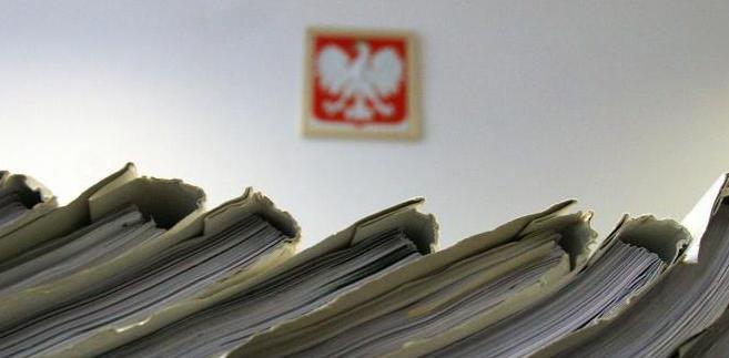 – Umowa nie mówi, co jest pakowane w sądzie do kopert i przygotowane do wysłania. Wszystko, co sąd spakuje, Polska Grupa Pocztowa powinna dostarczyć – wyjaśnia Jan Paziewski, dyrektor departamentu budżetu i efektywności finansowej
