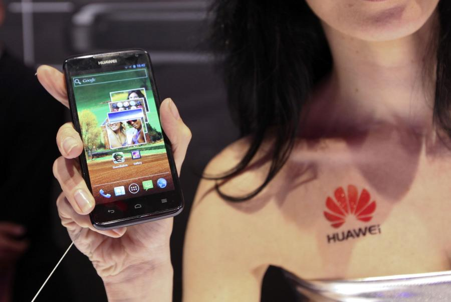 Huawei Ascend D quad mobile phone, z Android 4.0