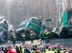Po restrukturyzacji PKP dyżurni ruchu są coraz bardziej obciążeni pracą. To przyczyna katastrofy kolejowej pod Szczekocinami?