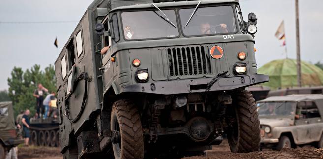 MON przygotowuje się do przetargu na średnie ciężarówki terenowe, czyli podstawowe pojazdy do wojskowego transportu.