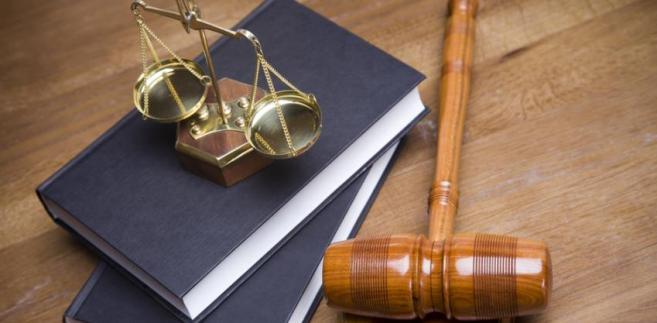 Ranga i poziom ochrony dóbr osobistych spierających się podmiotów są jednakowe i żadne z nich nie ma absolutnego charakteru – odświeżył dawną uchwałę Sąd Najwyższy