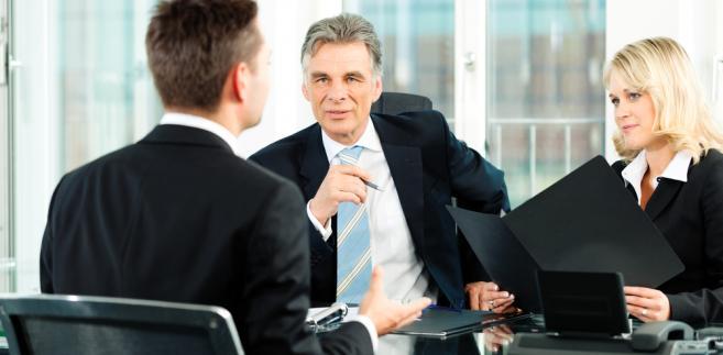 Kodeks pracy wymaga zachowania formy pisemnej, bez względu na rodzaj umowy.