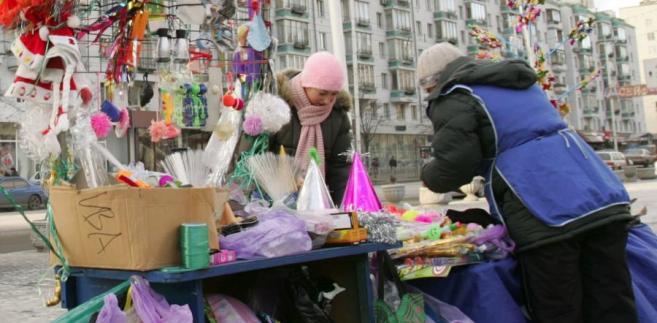 Handel na ulicach Kijowa. Fot. Bloomberg