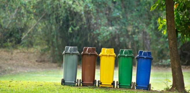 Eksperci KIG, jak i obecni na konferencji samorządowcy, zgodnie zwracali uwagę, na niejasny, ich zdaniem, system poboru opłat za odpady, zawarty w ustawie o utrzymaniu czystości i porządku w gminach.