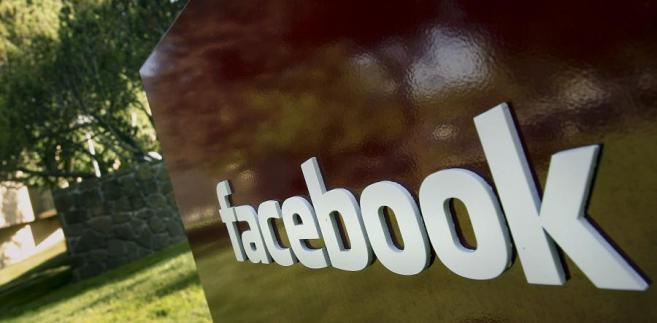 Z Facebooka korzysta ponad 900 mln użytkowników miesięcznie