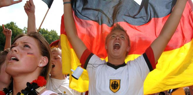 UEFA, rząd i władze miast gospodarzy Euro 2012 deklarują, że będą dbać o kibiców