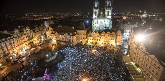 Czechy protest przeciwko premierowi