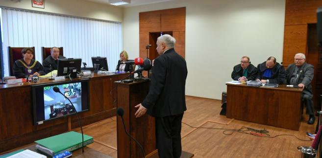 Jarosław Kaczyński i Lech Wałęsa przed Sądem Okręgowym w Gdańsku