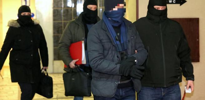 Były szef KNF Marek Ch. po przesłuchaniu w prokuraturze