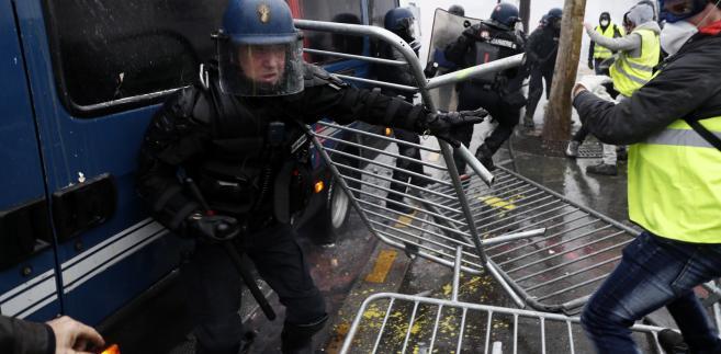 Francja starcie z policją