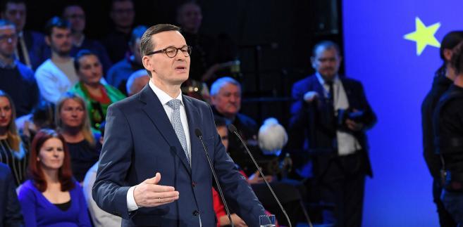 Morawiecki zwrócił też uwagę, że w ostatnich 30 latach Polska zmieniała się dynamicznie oraz bardzo szybko w wielu obszarach, ale - według niego - te zmiany za mało były dostosowane do ludzi.
