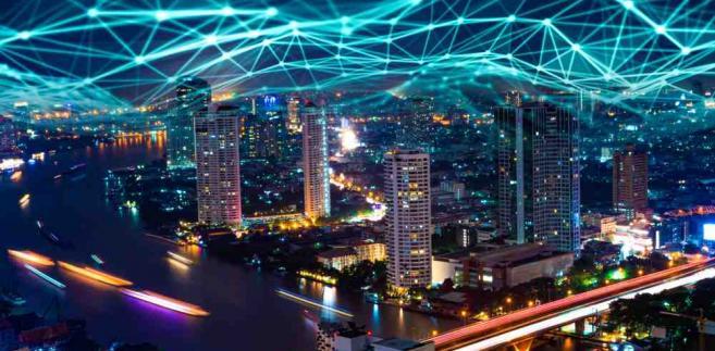 Przygotowane przez Ministerstwo Cyfryzacji przepisy – nazywane megaustawą – zmierzają do usunięcia przeszkód prawnych w budowie nowoczesnych sieci telekomunikacyjnych, przede wszystkim 5G.