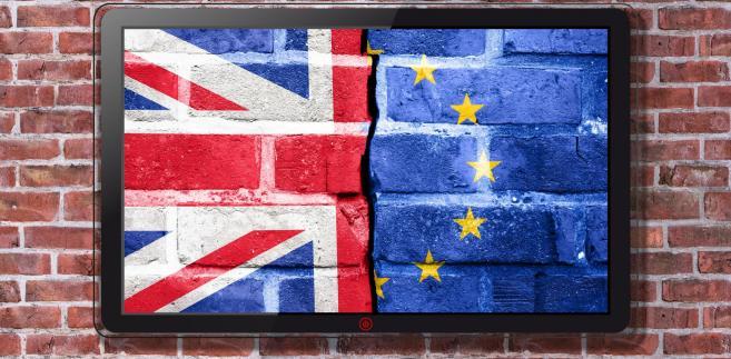 """""""Wejście w życie tej umowy będzie dobre dla obu stron; pozwoli w tych nowych okolicznościach, już po 29 marca 2019 r., budować solidne i jak najbliższe relacje pomiędzy naszymi państwami, ale również Wielkiej Brytanii z UE"""" - dodał polski premier."""