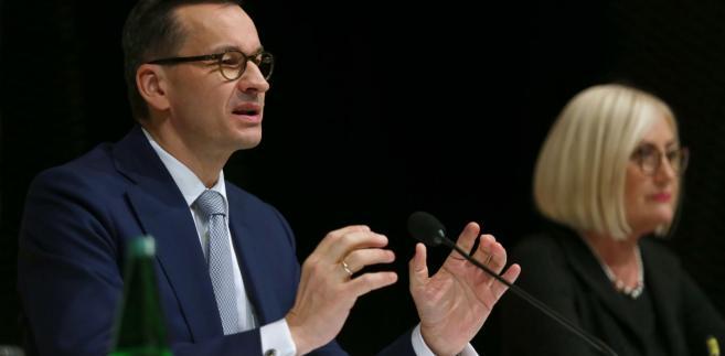 Mateusz Morawiecki i rzeczniczka rządu Joanna Kopcińska