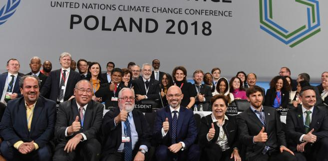 """Rzeczniczka rządu przypomniała, że prace nad """"katowickim pakietem klimatycznym"""" trwały kilkanaście dni."""