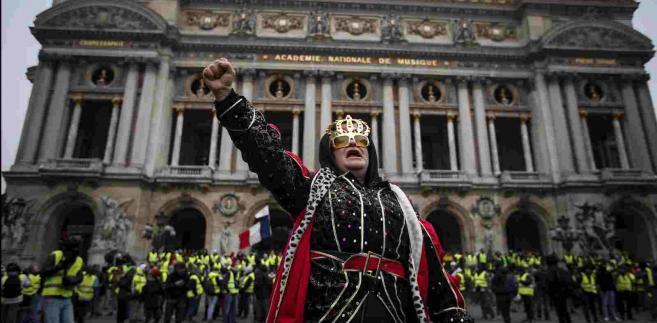 Protesty żółtych kamizelek we Francji.